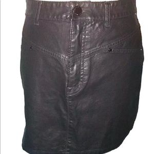 SILENCE AND NOISE Size 6 Skirt Faux Leather Black